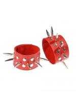Напульсники кожаные красные с шипами и заклепками 3058-2